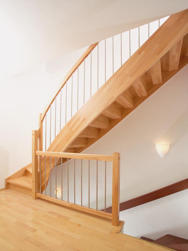 eingestemmte treppe. Black Bedroom Furniture Sets. Home Design Ideas